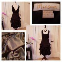 Stunning, Monsoon v back scoop neck ruffle skirt black party dress size 14 LBD💚