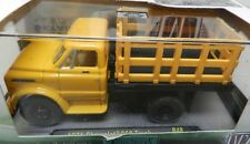 1971 71 C60 STAKE BED PRODUCE YELLOW FARM TRUCK CHEVY 18-17 M2