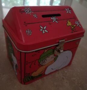 scatola casetta salvadanaio in metallo ferrero snoopy con luchetto e chiavetta