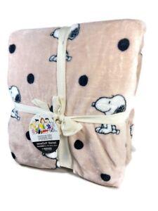 Berkshire Blanket & Co Peanuts Snoopy VelvetSoft Pink & Black Dot Queen Blanket