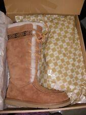 UGG Australia Women's Tularosa Boots 3331 Chesnut Lace Up 7 M (New in Box)