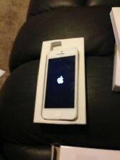 Apple iPhone 5 - 16GB - White & Silver (Unlocked) A1429 (CDMA + GSM)