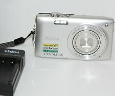 Nikon COOLPIX S3300 16,0 MP Digitalkamera - Silber