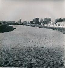 SENS c. 1949 - Maisons le Long de l'Yonne - Div 10826