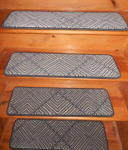 13 Step  9'' x 30'' + 1 Landing  28'' x 30'' Tufted carpet Wool Stair Treads .