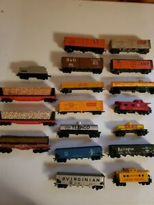 18 Ho Train cars various brands