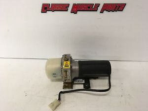 98 99 00 01 02 VW Gold Cabriolet Convertible Top Pump 1E0871791A