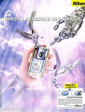 PUBLICITE ADVERTISING 065  2002  NIKON  appareil photo numérique COOLPIX 2500