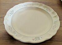 Pfaltzgraff  Remembrance Dinner Plates   Set of 4   Made in the USA