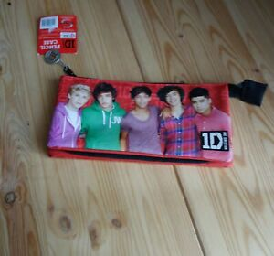 ONE DIRECTION 3 POCKET PENCIL CASE Holders School Stationery 1D Zipper Chain Red