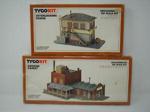 2 HO TYCO Kits ~ Grusom Casket #7784 and Interlocking Tower #7773 - Brand New