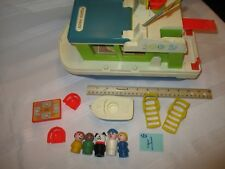 VTG Fisher Price Little People play family House Boat 985 grill boat dog mom H