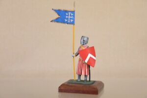 BRITAINS STADDEN TRADITION BRITISH MEDIEVAL KNIGHT with STANDARD 1nv