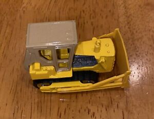 VINTAGE MATCHBOX #64 YELLOW CATERPILLAR D9 TRACTOR MADE N ENGLAND BY LESNEY 1979