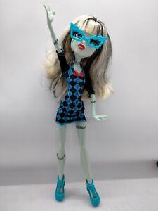 2014 Monster High Geek Shriek Frankie Stein Doll CGG94 creepy ghoul nice 💖💎💀