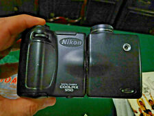 Nikon Coolpix 950 Digital Camera - Swivel Lens Black For Parts or Repair. As Is