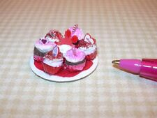 Miniature Tray of Valentine Cupcakes on Paper Plate: DOLLHOUSE IGMA 1:12