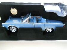 YAT MING - SIGNATURE SERIES - 1961 LINCOLN CONTINENTAL (BLUE) - 1/18 DIECAST