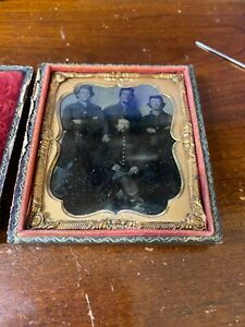 Civil War 1/6 Plate Tintype Union Officer surrounded by three Soldiers