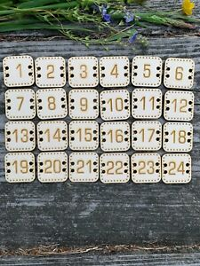 25 number buttons reusable square  advent calendar Christmas TAGS plywood