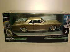 1966 Ford Lincoln Continental Die-cast Car 1:26 Maisto Design 8 inches Gold 1/24
