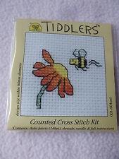 Mouseloft Tiddlers Cross Stitch Kit ~ ~ fleurs et bee nouveau 5.5 cm x 5.5 cm