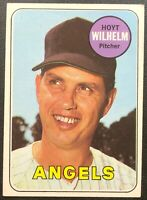 HOYT WILHELM 1969 TOPPS VINTAGE BASEBALL CARD #565