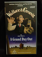 WALLACE & GROMIT ~ A GRAND DAY OUT ~ AS NEW VHS VIDEO ~ **FREE POST