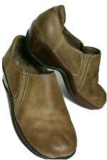 Soft walk Women Size 7W Slip on Leather Upper Comfort Shoes Round toe (#Lok