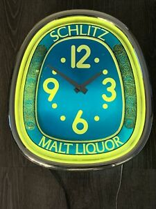 1975 SCHLITZ Malt Liquor BEER Silver Collared CLOCK Sign (Nice++) Must See WOW!!