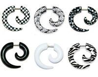 New 1 x Black & White Spiral Fake Taper Cheater Stretcher Plug Stars Tribal (P6)