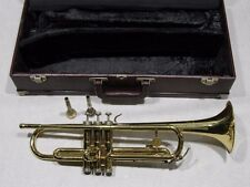 "HOLTON ""COLLEGIATE"" BRASS TRUMPET w/2 MOUTHPIECES & CASE"