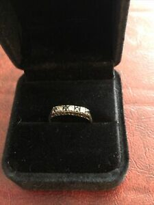 Gold, Sapphire And Diamond Ring Size O Approx 1.4g Unusual Mount '#1 Mum'