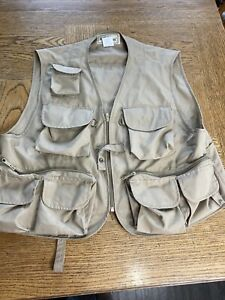 LL Bean Mens Emerger Fly Fishing Vest Size L Beige Full Zip Sleeveless Pockets