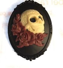 Large Skull Red Roses Cameo Brooch Pin Gothic Goth