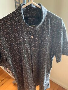 19 Ninety One Floral Shirt Size Small