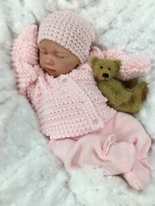 REBORN DOLL HEAVY GIRL FAKE BABY BALD PINK KNITTED OUTFIT MAGNETIC DUMMY E