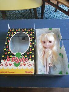 Poupée Blythe samedi marche encore takara