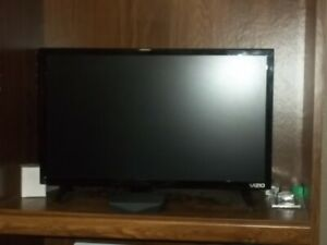 "VIZIO D-SERIES HDTV 1080P 24"" W/CROMECAST BUILT-IN"