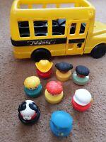 Fisher Price Vintage rare 1991 School Bus Orginal 7 Figures Role Play Nursery