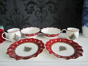 Villeroy and Boch Six Piece Christmas Breakfast Set with Red Border