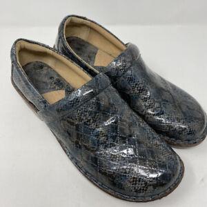 BøC Born Clogs Slip on Comfort Shoes,Shiney Blue Snakeskin  Size 11 M/W