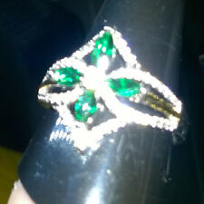 EMERALD GREEN CREATED SAPPHIRE DRESS RING DIAMOND SHAPED + FLOWER SIZE U