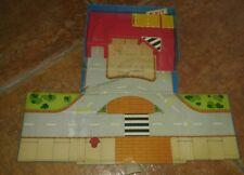Vintage 70s 80s Service Station Pocket Car Garage Mini Play Set Transform Race