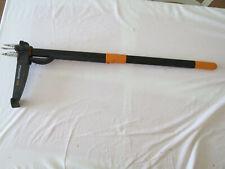Fiskars Solid Weed lawn root remover Puller W52 Weedpuller
