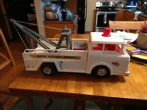Vintage 1960s Marx White Big Bruiser Super Highway Service Wrecker Tow Truck