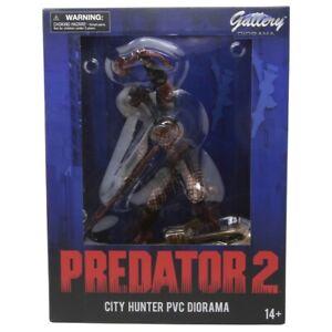 Diamond Select Toys Predator 2 Gallery City Hunter PVC Statue