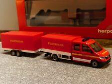 1/87 Herpa MAN TGE Doppelkabine mit Pritsche + Plane + Planenanhänger Feuerwehr