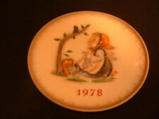 "Hummel Goebel Eighth Annual Plate in Bas Relief 1978 ""Happy Pastime "" Hum271 MIB"