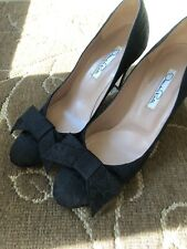 Oscar de la renta satin Embroidered black vintage size 37 1/2 Euro 7 1/2 US